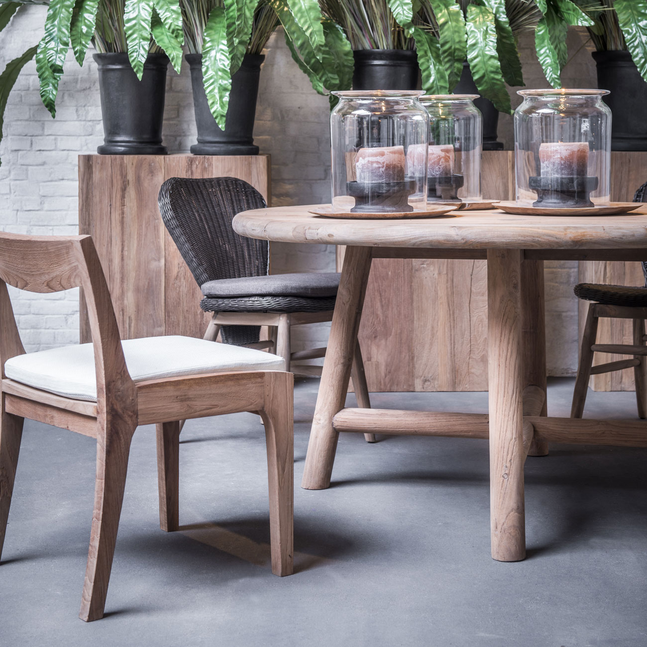 Gommaire Lydia Dining Table Luxury Outdoor Living : gommaire LYDIA dining table 1 from luxury-outdoor-living.co.uk size 1300 x 1300 jpeg 325kB