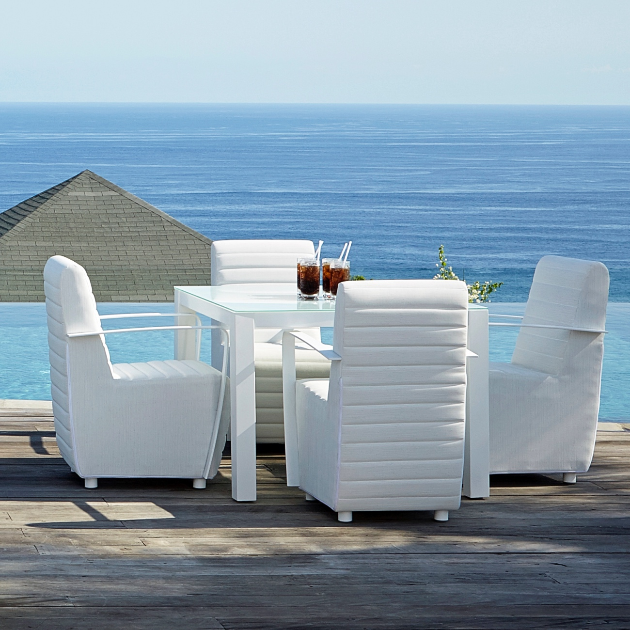 Peachy Skyline Axis Square Dining Table Seats 4 Evergreenethics Interior Chair Design Evergreenethicsorg